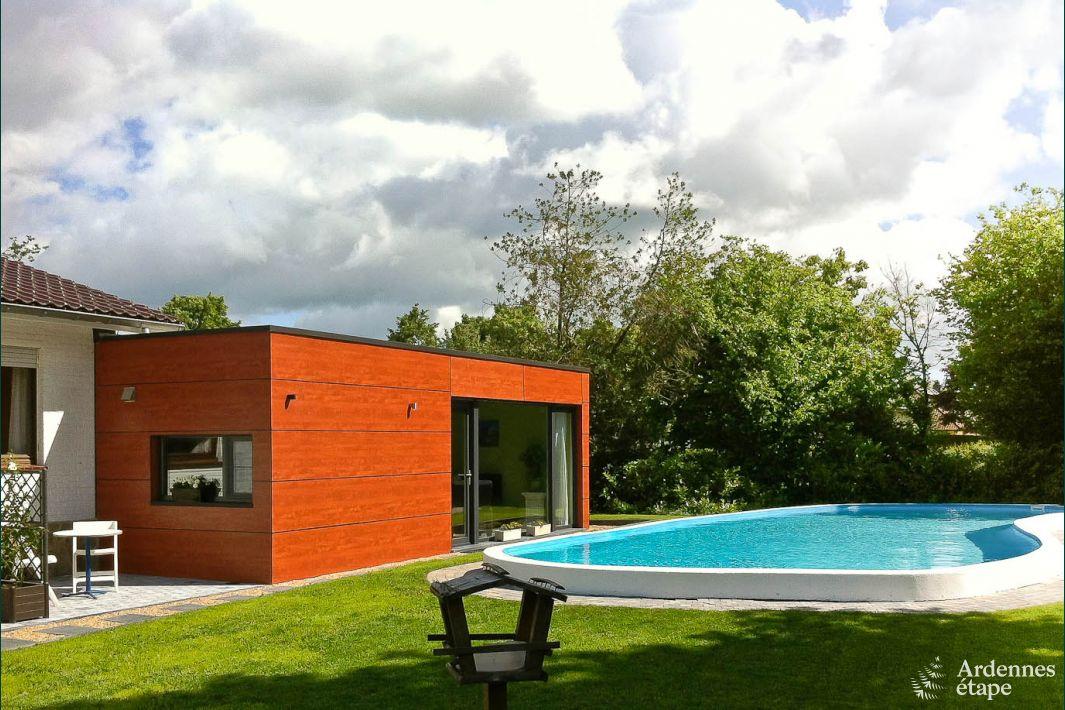 ferienwohnung mit swimmingpool im garten f r 2 4 personen. Black Bedroom Furniture Sets. Home Design Ideas