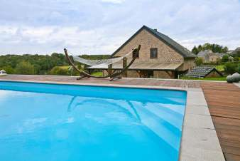 Einladende Villa in Hamoir mit beheiztem Outdoor-Swimmingpool