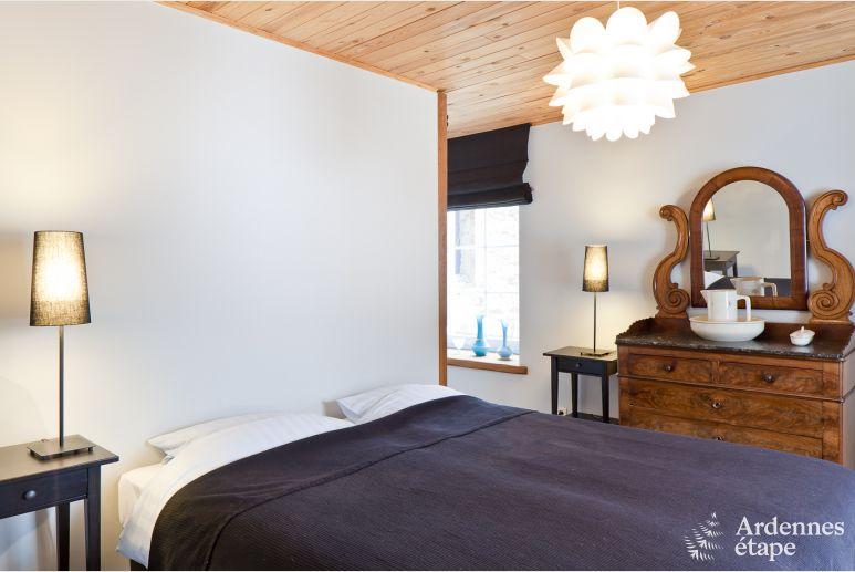 Eetkamer Lamp Design : Stilvoll eingerichtetes altes bauernhaus für 12 personen in redu