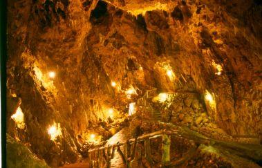 Grotte la Merveilleuse-Grottes bis Provinz Namur