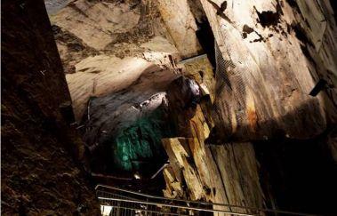 Schieferstollen-Grottes bis Provinz Lüttich