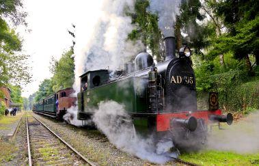 Dampflokomotive der 3 Täler-Train touristique bis Provinz Namur